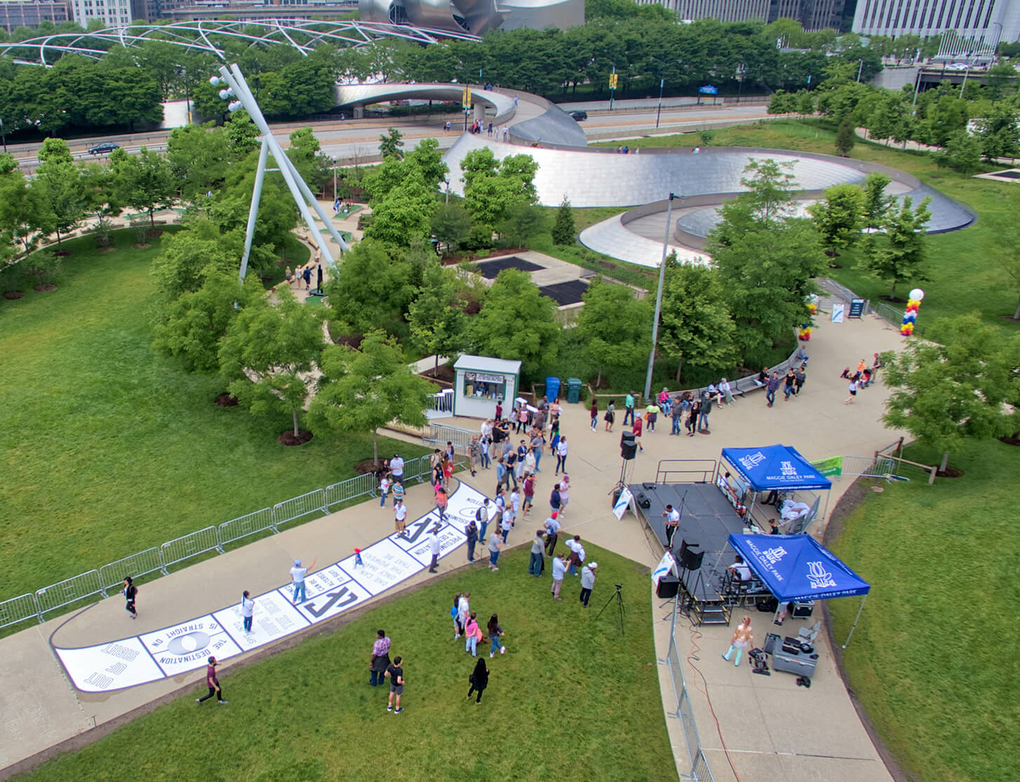Lawrence Weiner's interactive  installation unveiled in Chicago