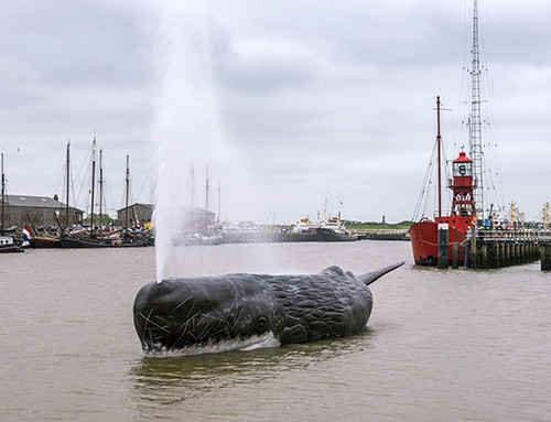 Whale fountain by Allora & Calzadilla installed in The Netherlands