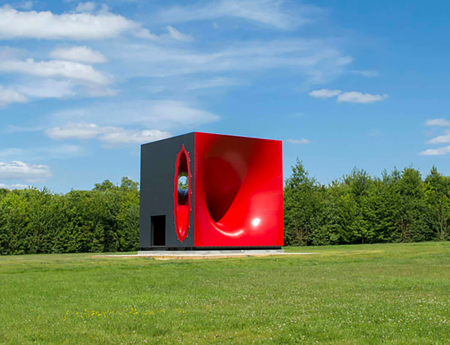 Anish Kapoor announces first large-scale show in China