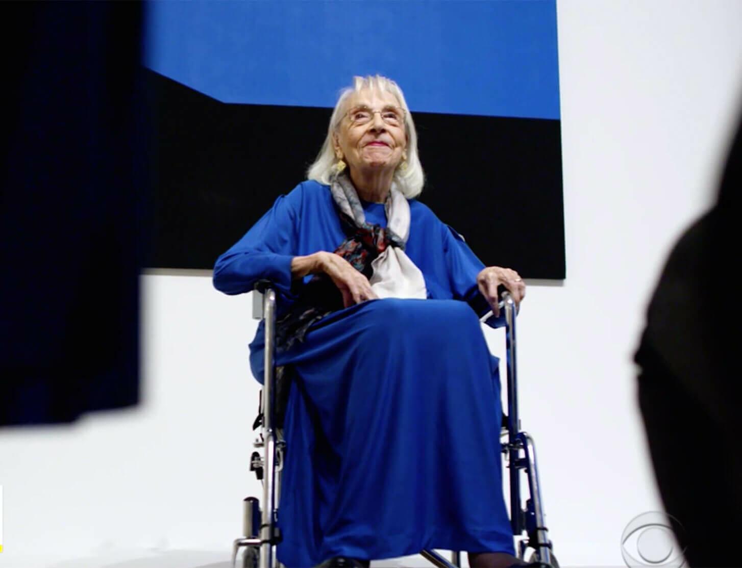 101-year-old artist Carmen Herrera seeks order in her work - CBS News