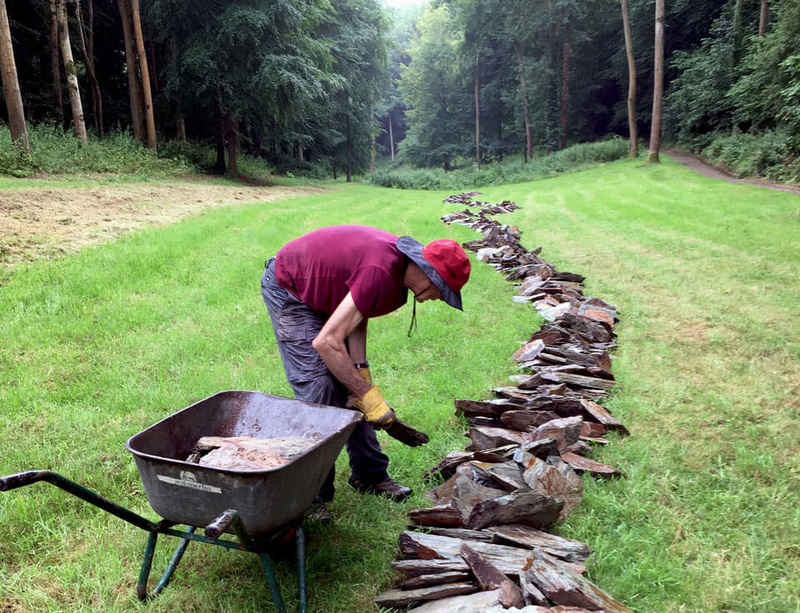 Richard Long creates new work 'Jackdaw Line' at Hestercombe Gardens
