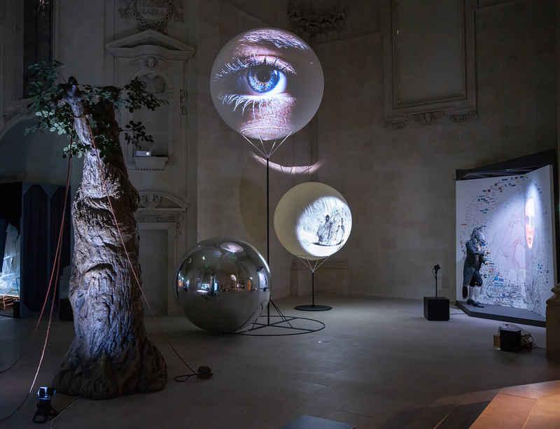 Tony Oursler's 'Hypnose' at Musée d'arts de Nantes