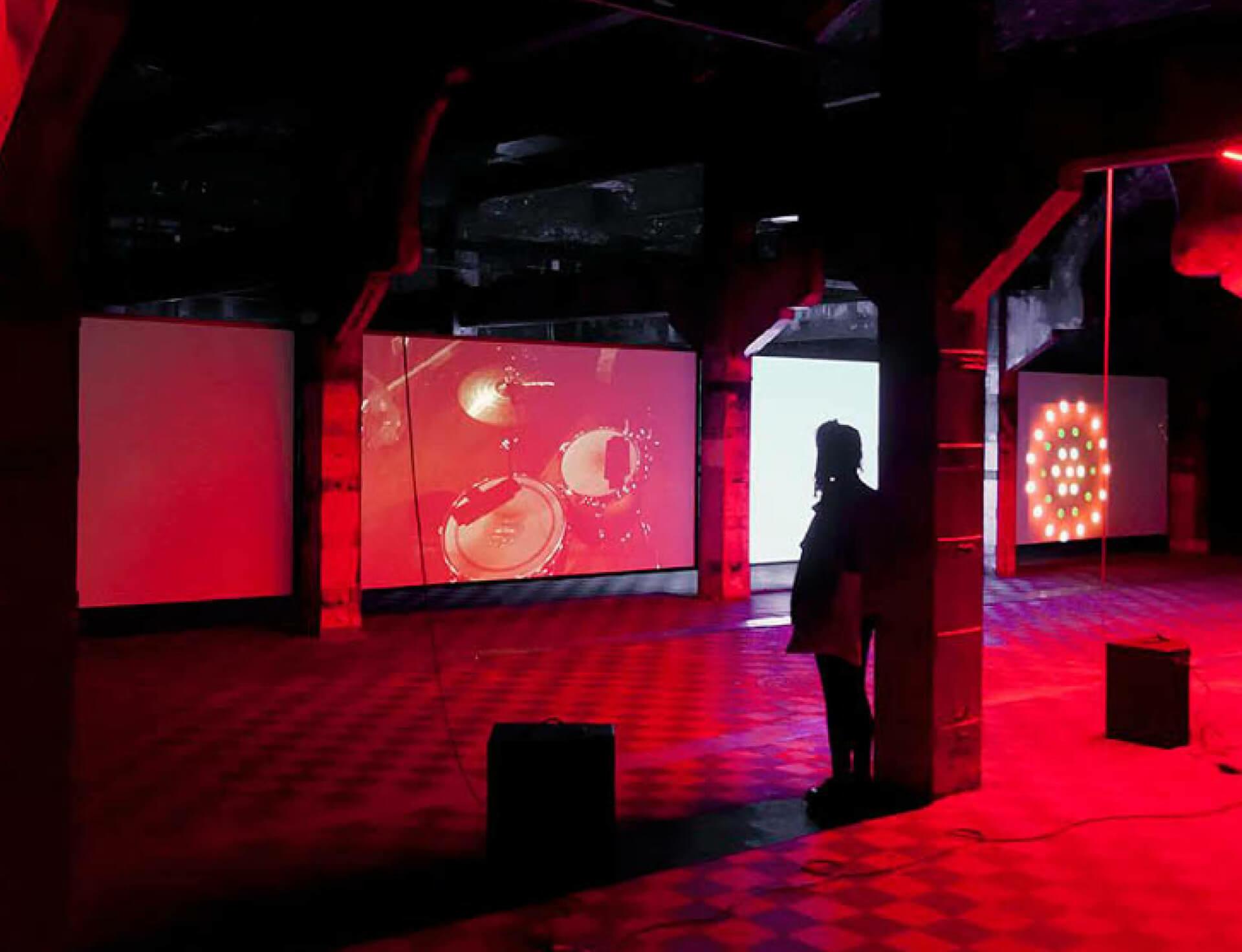 PIVÔ presents Haroon Mirza's first exhibition in São Paulo, Brazil